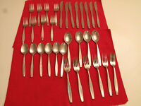 VTG MCM MODERNIST AMERICAN STAINLESS INT SILVER UNKNOWN PATTERN 32 PCS FLAIR