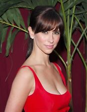 "Jennifer Love Hewitt in a 8"" x 10"" Glossy Photo 04"