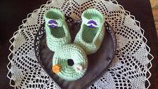 süsses Set fürs Baby ***Schuhe & Rassel*** - echte Handarbeit - Neu!!!