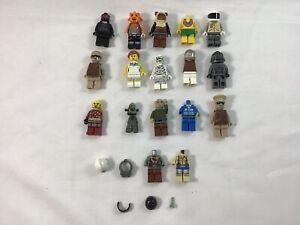 Lot of 17 Mini Figures Building Block Plus Misc Parts and Accessories