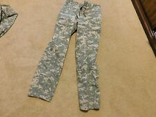 US  ARMY ACU PANTS  SIZE SMALL - REGULAR