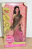 Barbie INDIA sari noir or et rose NRFB