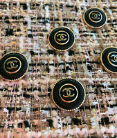 100% Authentic Chanel Buttons logo cc black 💋💋lot of 5 gold 22mm