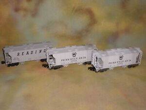 3 Weaver O-Scale PRR & Reading PS-2 Hopper Cars w. Different #'s