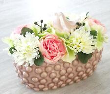 Blumengesteck rosa weiß grün Vogel Jardiniere Tischgesteck Seideblumen Schale