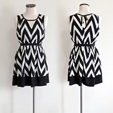 NWT Romeo & Juliet Couture-ZigZag Black and White Flare Skate Dress/ Large