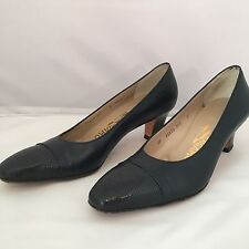 Salvatore Farragamo Navy blue leather womens heels pumps Size 6.5AAAA Made Italy
