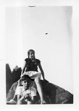 EB552 Photographie vintage photo snapshot Vosges Gerardmer jeune fille garçon