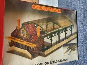 HORNBY R331 LONDON ROAD STATION KIT, LOFT FIND