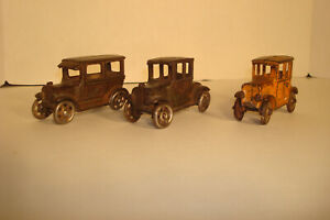 LOT OF 3 VINTAGE CAST IRON TOY FORD CARS AC WILLIAMS ARCADE ? DISPLAY  PARTS