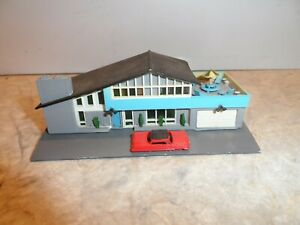 PLASTICVILLE N SCALE  CONTEMPORARY HOME