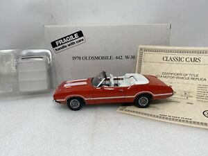 1/24 Danbury Mint 1970 Oldsmobile 442 W-30 Rally Red Convertible