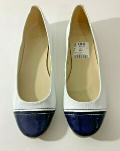 Clarks Italian Collection White/Navy Leather Women Slip On Flat Shoes Size 6