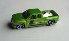 Hot Wheels Chevy Chevrolet Silverado Pickup Truck grünmetallic HW Mattel green