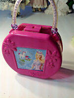 VINTAGE 2003 BARBIE OF SWAN LAKE HAT BOX SUITCASE PURSE OPENS WITH ANY KEY DV59