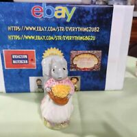 Beatrix Potter – Goody Tiptoes – Squirrel Figurine with Nuts, BP-2A Beswick Gold