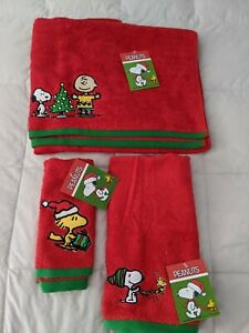 Peanuts Christmas Bath Towel Set (3) New with Tags Snoopy Fingertip Face Cloth