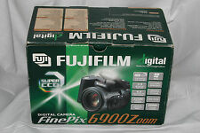 Fuji Fujifilm FinePix 6900 Zoom 3.3 MP digital camera kit in box