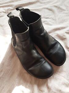 Vivo barefoot Fulham Womens Black Chelsea Boots RRP £155
