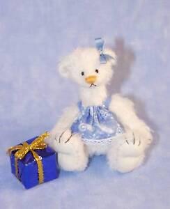 "DEB CANHAM ""CHRISTINA""  CHRISTMAS BEAR  W/GIFT- MINI MOHAIR BEAR-LIMITED ED 2010"