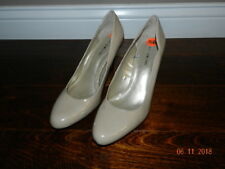 Bandolino Nude Patent Pumps High Heels Shoes Women's Size 9.5 M BD7 Cheers