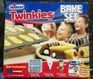 Hostess Twinkies Bake Set.  Vintage 2006