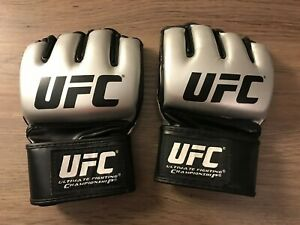 UFC MMA Fight Glove - Silver Size Medium -Pre-owned MMA