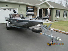 16-ft Aluminum Bass Boat with 40hp Evinrude Motor and EZ Load Trailer