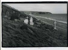 PHOTO noir et blanc scène de genre un cimetière marin