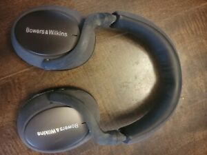 Bowers & Wilkins PX7 Over-Ear Noise Cancelling Wireless Headphones - Silver