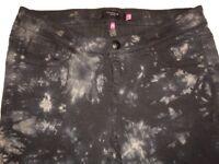 NEW Torrid Black & Gray Floral Pants Women's Plus Size 16