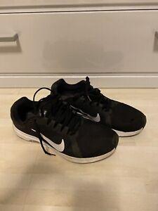 Nike Schuhe Sneaker Kinder Gr. 40,5 US 9,5 Schwarz Turnschuhe Junge Stoff