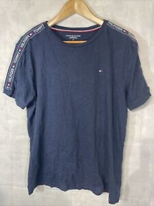 Mens Tommy Hilfiger T Shirt. Used Size Medium