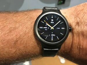 LG Watch Style 4GB Touchscreen Slim Android Smart Watch - Titanium+LG CHAR/BASE