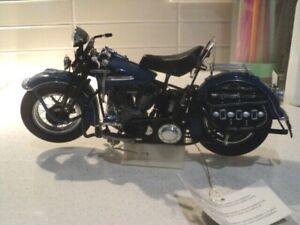 Harley Davidson 1948 Panhead 1:10 Franklin Mint scale model in original box