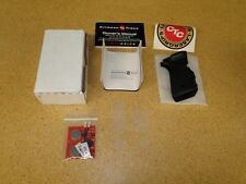 NEW Crimson Trace Laser Grips, CTC Model LG 302 for Beretta Model 92 & 96, Black