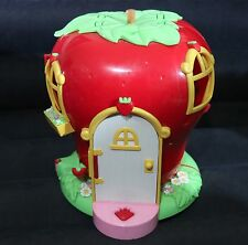 TCFC 2003 BANDAI STRAWBERRY SHORTCAKE BERRY SWEET DOLL HOUSE