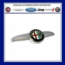 Alfa Romeo 147 2005/- on front grille badge & plinth 156058943 New Genuine