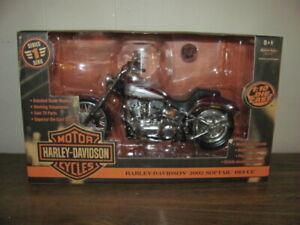 Ertl Racing Championships Harley Davidson 1:10 2002 SofTail Deuce