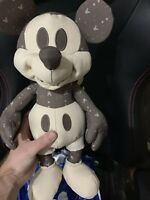 DISNEY Mickey Mouse Memories NOVEMBER PLUSH LE COLLECTIBLE With Tags!