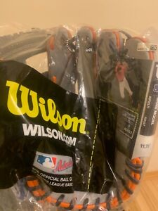 "Wilson A2000 Carlos Correa 11.75"" Baseball Glove RH THROW  BRAND NEW"