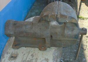 alter 35 Kg Schraubstock 12,5 cm Spannweite 12,5 cm Backenbreite Amboss Robust !