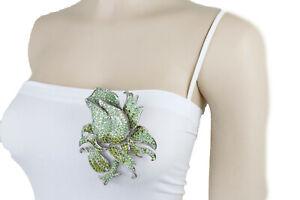 Women Silver Metal Fashion Jewelry Classic Style Brooch Green Rose Flower Pin