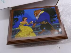 Vtg Walt Disney Beauty and the Beast Wristwatch Music Box Set Collector's Club