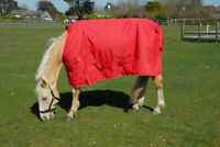 NEW Rhinegold Torrent Lite Lightweight Waterproof Horse Turnout Rug 0g Fill Red