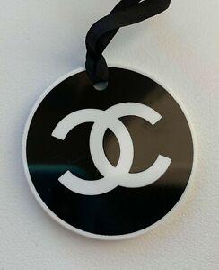 CHANEL charm plastic logo black-white round NEW LE 2017 VIP GIFT