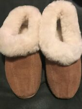 RED WING WOMAN SHEEPSKIN SLIPPERS HARDLY USED EUC SIZE 8 SOFT AND WARM