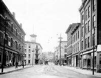 "1906 Broadway, Kingston, New York Vintage Photograph 8.5"" x 11"" Reprint"