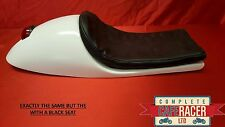 VINCENT WIDE FIBREGLASS CAFE RACER SEAT WITH STOP LIGHT IN BLACK & BASIC PAD