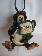 "Boyds The Wee Folkstones.Tuxedo Gang Penguin Christmas ornament ""Peace"" Nib"
